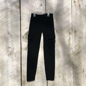 Hot Kiss | black legging with pockets